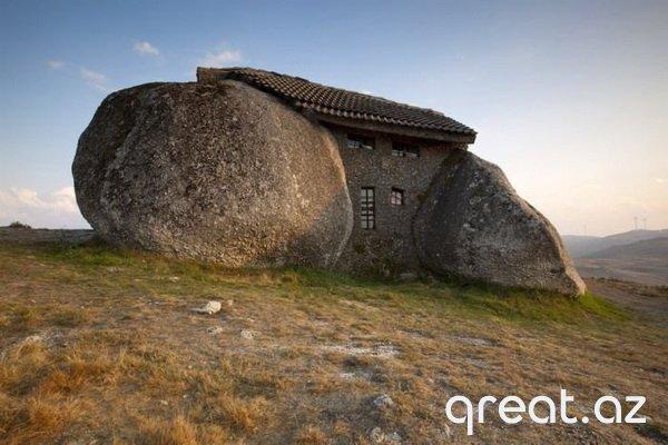 Dünyada ən qeyri adi evlər (27 Foto)