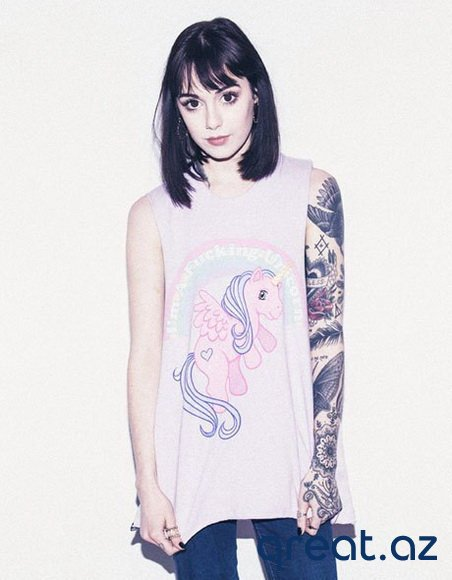 Tatuajlı qızlar ( 44 Foto)