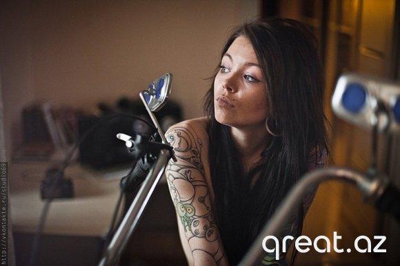 Tatuajlı gözəl qızlar ( 60 Foto)