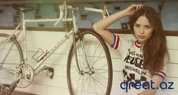 Gözəl qızlar və velosipedlər (68 Foto)
