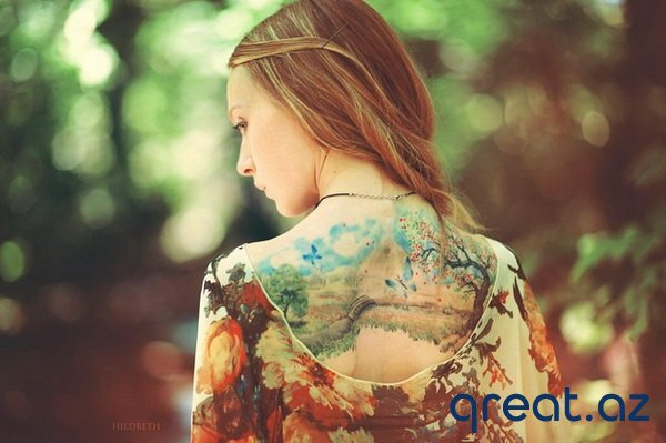 Tatuajlı seksi qızlar (27 Foto)