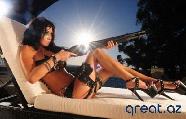 Silahlı gözel qızlar (30 Foto)