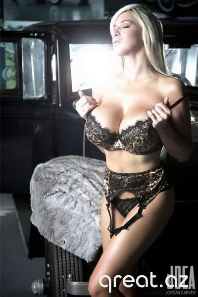 Seksual qizlar və avtomobillər (36 Foto)