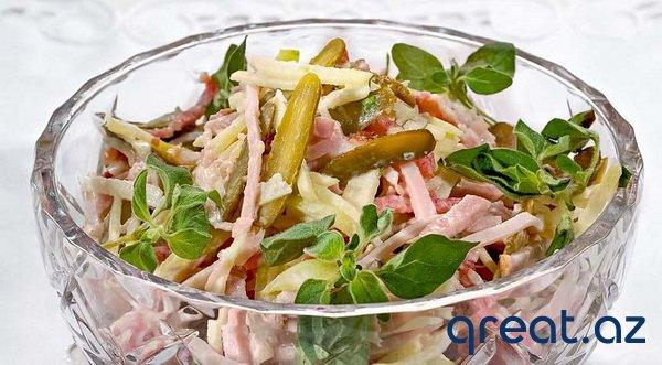 Yeni il süfrəsi üçün 6 maraqlı salat.