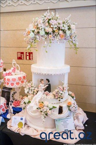 Toy və nişan üçün tortlar Art Show
