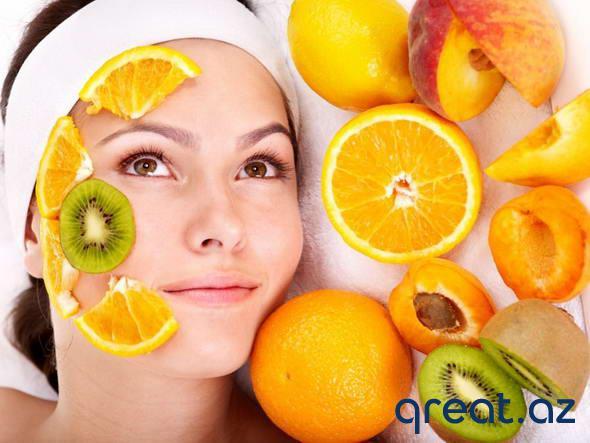 Meyvələrdən üz üçün 5 ən yaxşı yay maskası