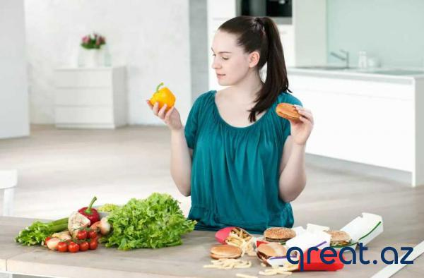 Niyə 40 yaşdan  sonra qadınlar kilo itkisi üçün diyeti daha tez-tez pozurla ...