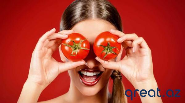 Dərinin rənginin açılması və hamarlanması üçün pomidor maskası.